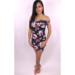 2dc8da08d4bab Dresses & Skirts - New Look Alive Navy Floral Dress